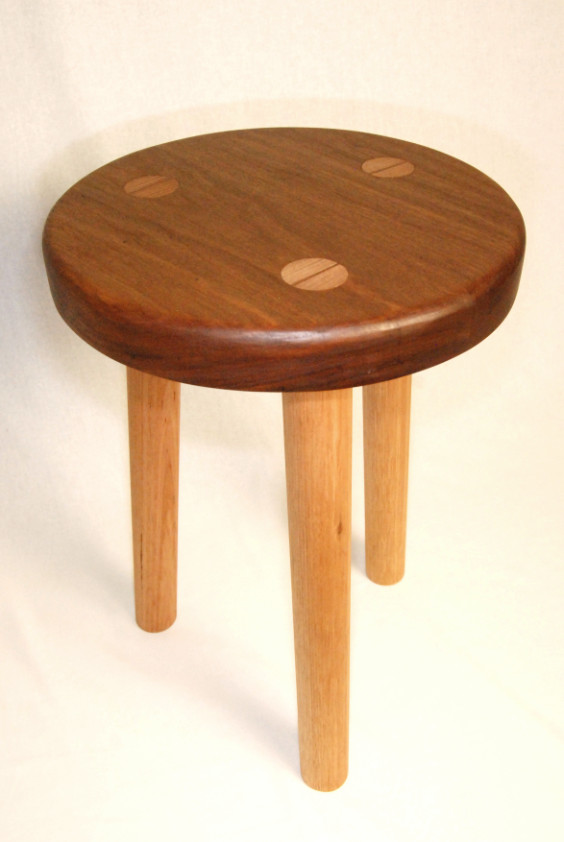 Houtkapper - wood accessories - 3-legged milking stool