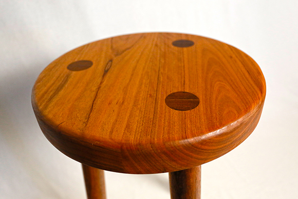 Australian Spotted Gum 3-legged milking stool - Houtkapper products